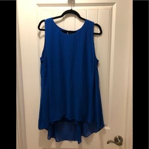 Sleeveless blouse 2x Vince Camuto